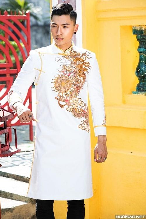 Áo dài nam cách tân cách điệu màu trắng vẽ rồng