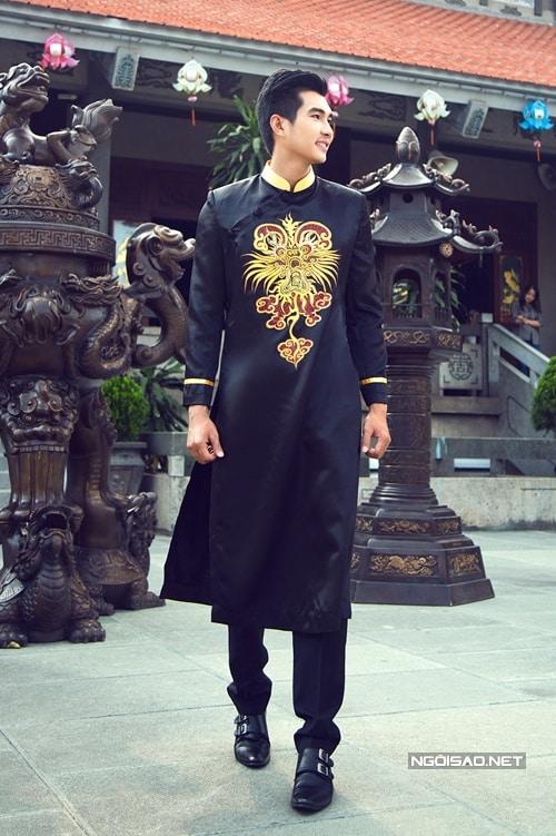 Áo dài nam màu đen họa tiết rồng cách điệu