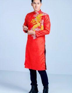 áo dài nam cách tân đỏ nổi bật với rồng vàng
