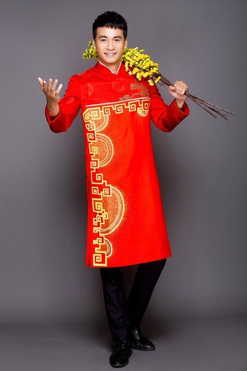 Áo dài nam cách tân đỏ vẽ họa tiết vàng truyền thống