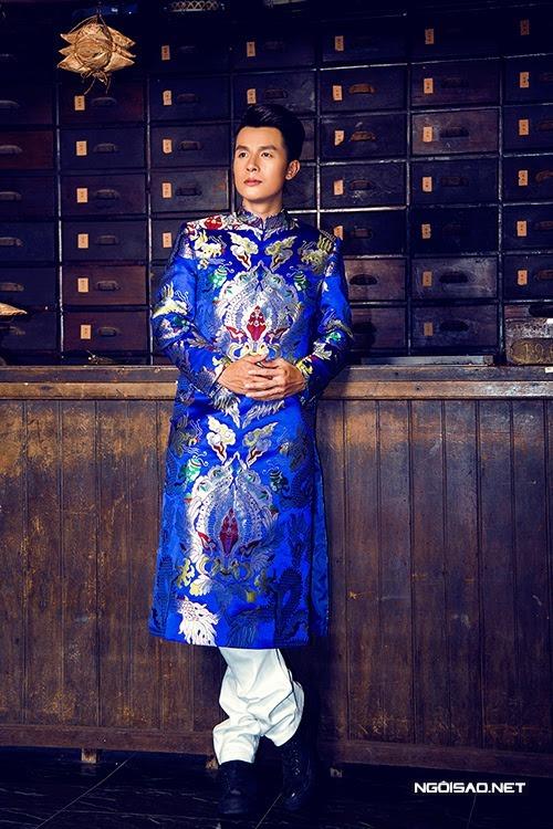 áo dài nam cách tân gấm xanh họa tiết rồng