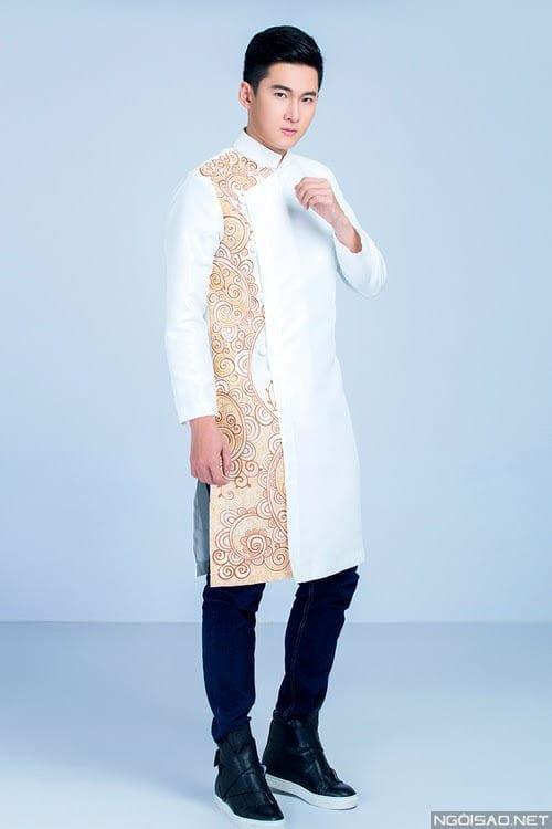 áo dài nam cách tân trắng vẽ họa tiết cam lịch lãm