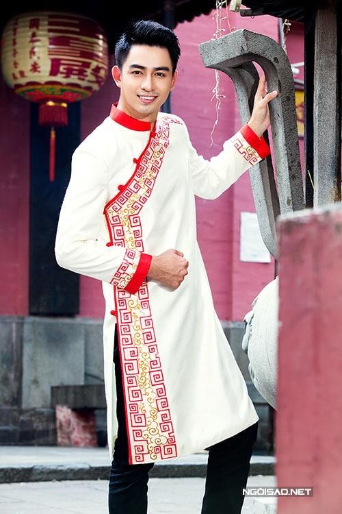 áo dài nam cách tân trắng vẽ họa tiết cổ truyền