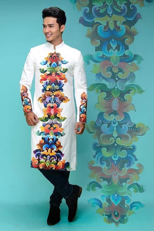 áo dài nam cách tân vẽ họa tiết nhiều màu