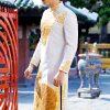 áo dài nam cách tân trắng vẽ họa tiết trống đồng