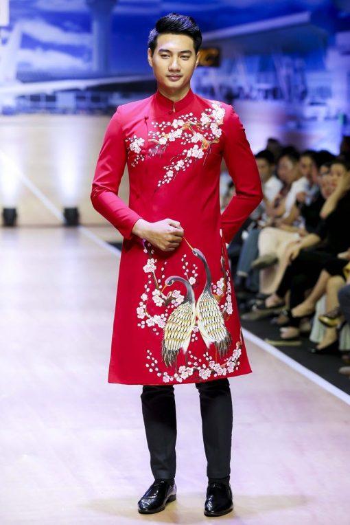áo dài nam cách tân vẽ hoa đào và hạc