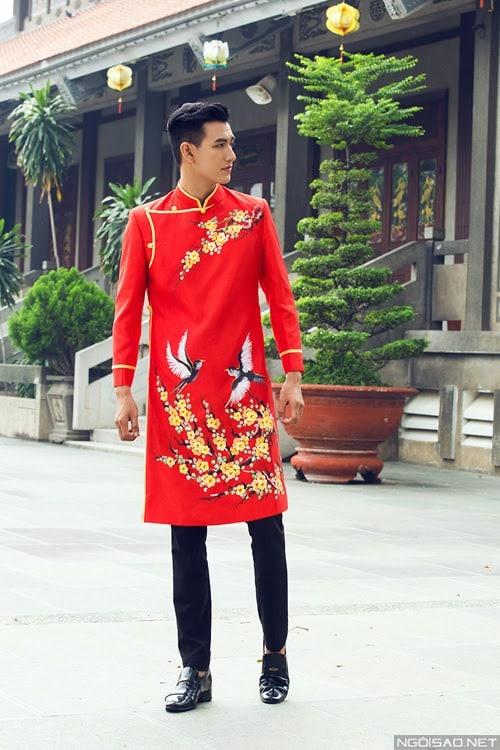 áo dài nam cách tân vẽ hoa mai và én