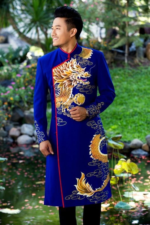 Áo dài nam cách tân với họa tiết rồng vàng vương giả