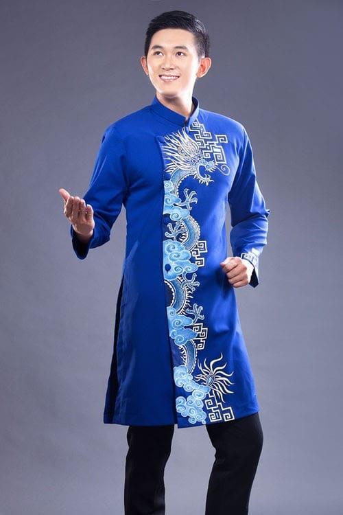 áo dài nam cách tân xanh với rồng trắng