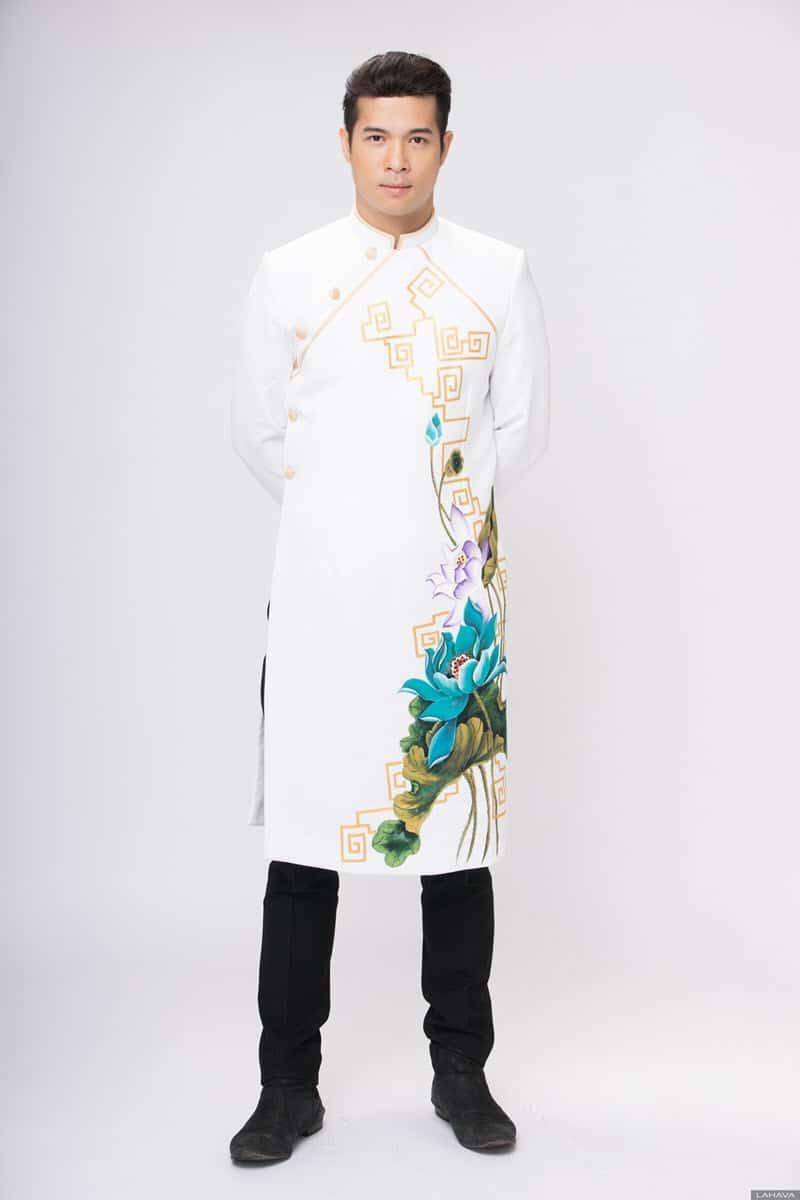 Áo dài nam cách tân trắng vẽ hoa sen