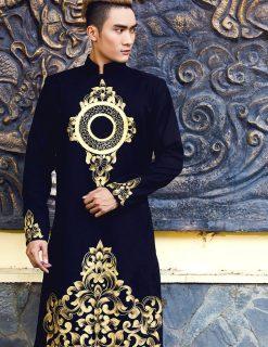Áo dài nam tông đen hoa văn vàng đồng