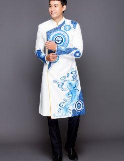 Áo dài nam trắng vẽ cá chép hóa rồng