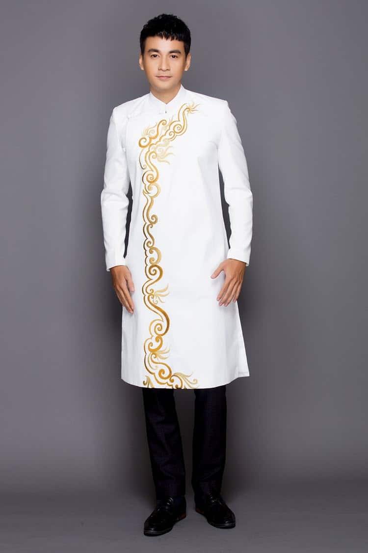 Áo dài nam cách tân trắng vẽ hoa tiết vàng kim