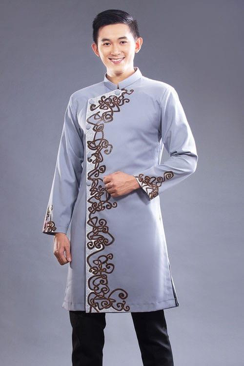 Áo dài nam trẻ trung với tông màu xám lạnh