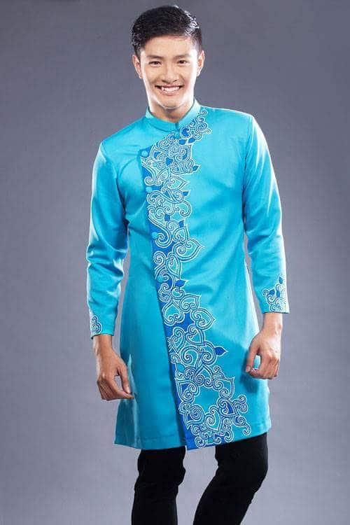Áo dài nam xanh họa tiết hoa sen cách điệu
