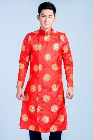 Áo dài nam truyền thống gấm đỏ đồng tiền