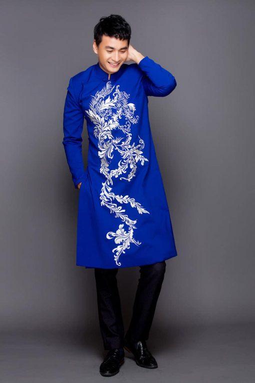 Áo dài nam xanh đậm họa tiết trắng biến thể