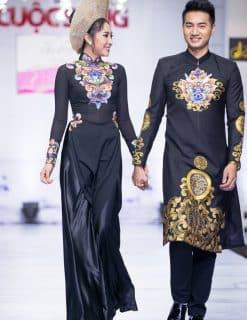 Áo dài cưới cặp màu đen quý phái họa tiết nổi bật