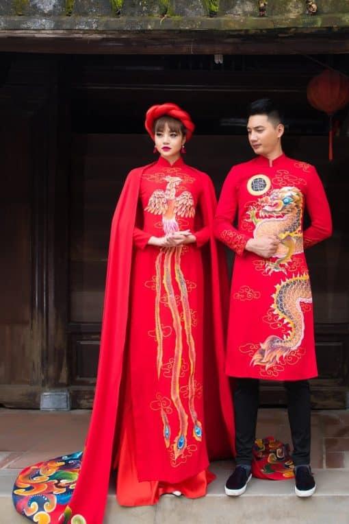 Áo dài cưới màu đỏ họa tiết long phụng sum vầy