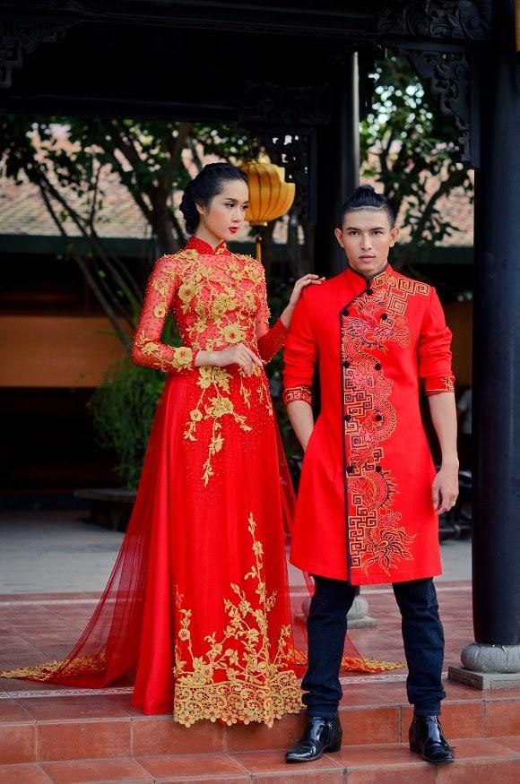 Áo dài cưới cặp màu đỏ họa tiết rồng cá tính