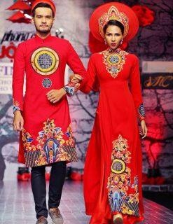 Áo dài cưới màu đỏ vẽ họa tiết truyền thống