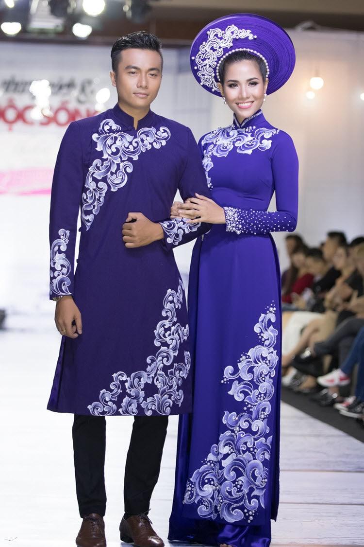 Áo dài cưới cặp màu tím vẽ họa tiết đơn giản