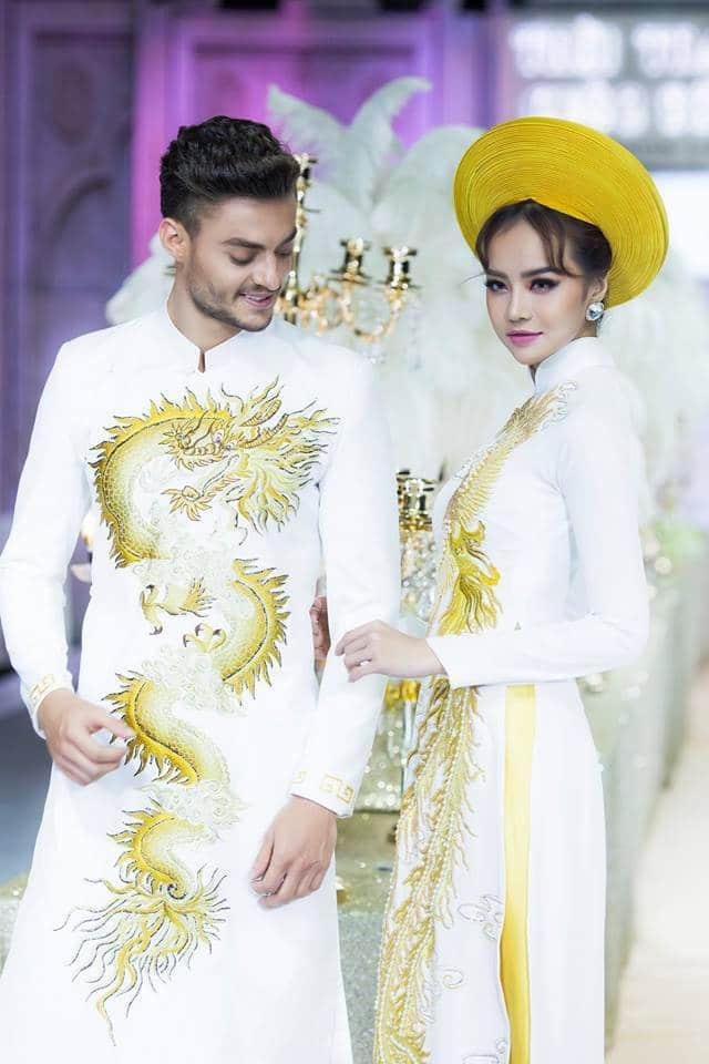 Áo dài cưới trắng vẽ rồng phượng sang trọng