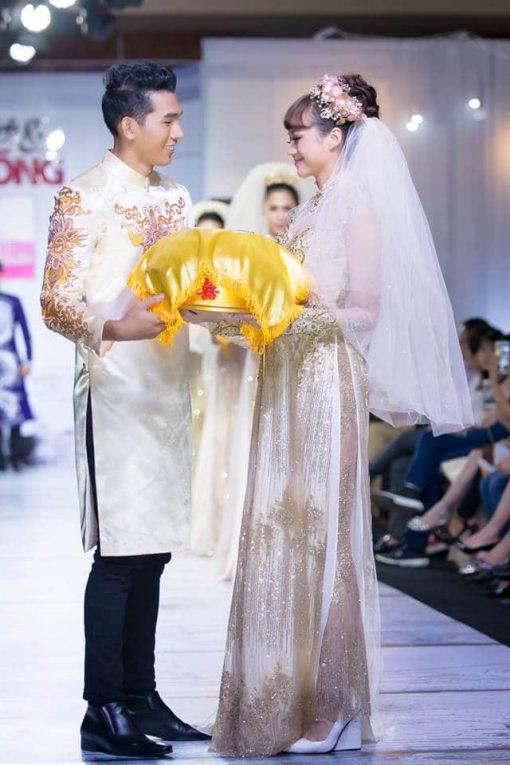 Áo dài cưới cặp họa tiết cầu kỳ cao cấp