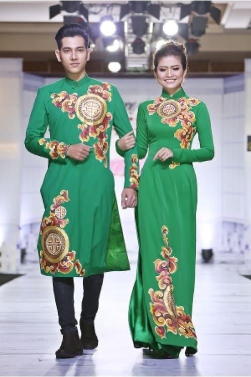 Áo dài cưới cặp xanh ngọc họa tiết cung đình
