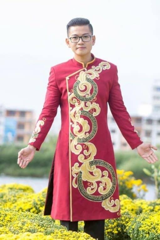 Áo dài nam cách tân đỏ vẽ họa tiết tròn cách điệu