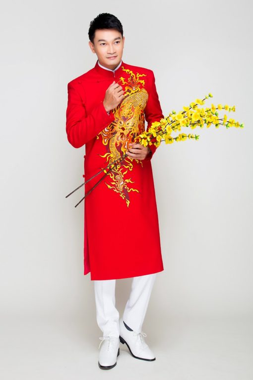 Áo dài nam cách tân đỏ vẽ rồng mạnh mẽ
