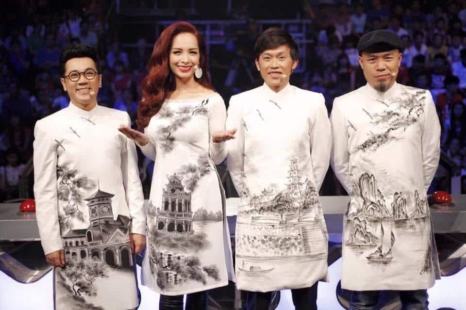 Áo dài nam cách tân trắng hình phong cảnh Việt Nam
