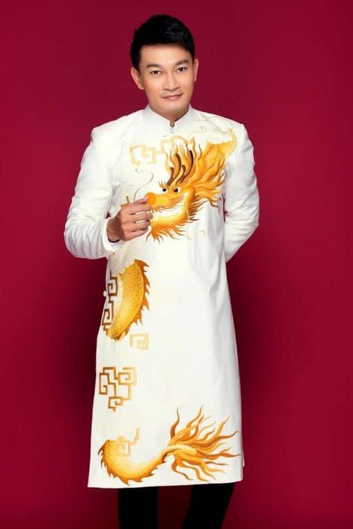 Áo dài nam trắng họa tiết rồng uốn lượn trên mây