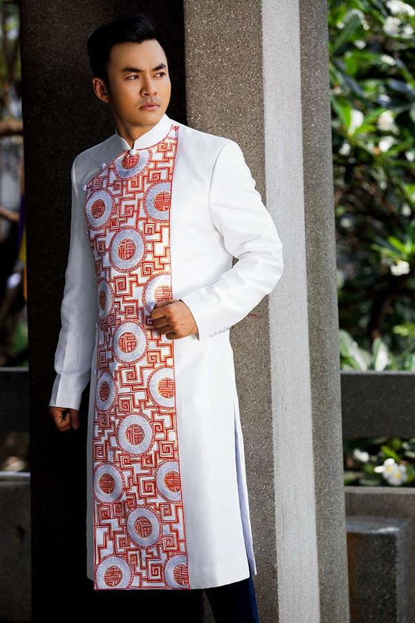 Áo dài nam cách tân trắng họa tiết tinh tế