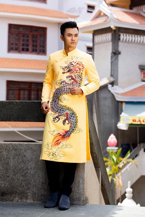 Áo dài nam vàng họa tiết rồng cầu kỳ