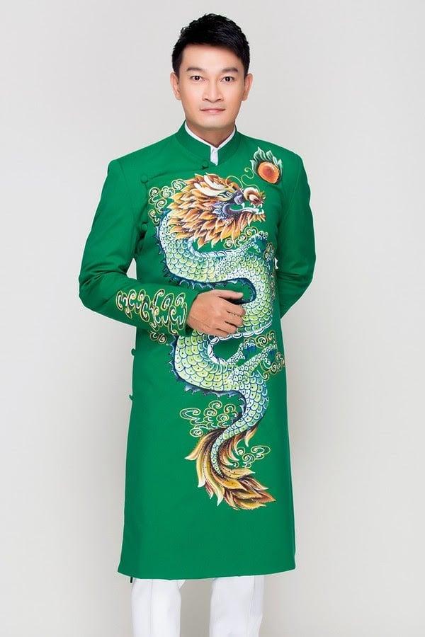 Áo dài nam xanh lá họa tiết rồng mạnh mẽ