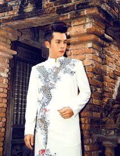 Áo dài nam cách tân trắng họa tiết rồng cách điệu