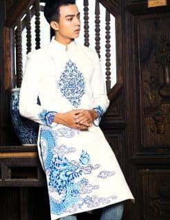 Áo dài nam trắng vẽ rồng phun châu nhả ngọc