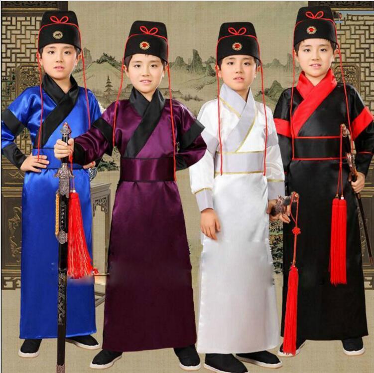 Trang phục hậu vệ cho trẻ em