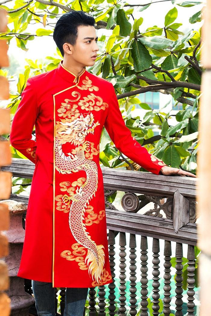 Áo dài nam cách tân đỏ sang trọng họa tiết rồng vàng
