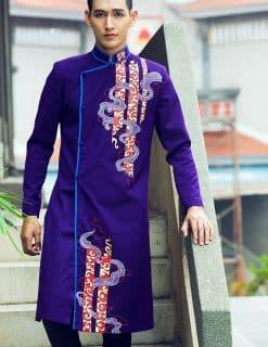 Áo dài nam cách tân tím vẽ họa tiết độc lạ