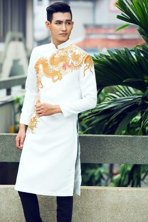 Áo dài nam cách tân trắng họa tiết rồng lịch lãm