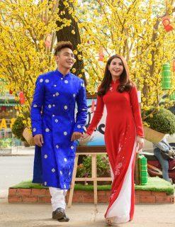 Áo dài nam cách tân xanh dương họa tiết truyền thống