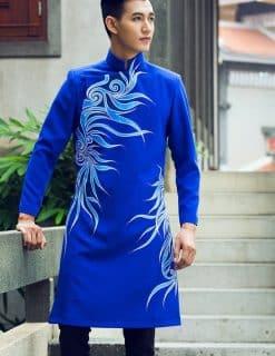 Áo dài nam cách tân xanh vẽ hoa văn mềm mại