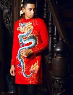Áo dài nam cách tân đỏ họa tiết rồng cầu kỳ nổi bật