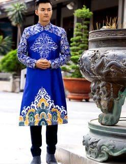 Áo dài nam cách tân xanh vẽ họa tiết sang trọng