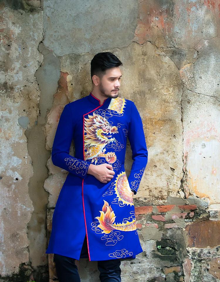 Áo dài nam cách tân xanh họa tiết rồng vàng cách điệu