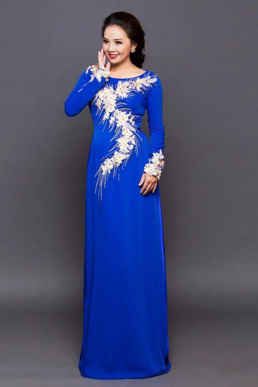 Áo dài bà sui xanh dương đắp hoa văn ren mềm mại
