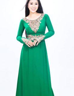 Áo dài bà sui xanh lá đắp ren vàng đối xứng