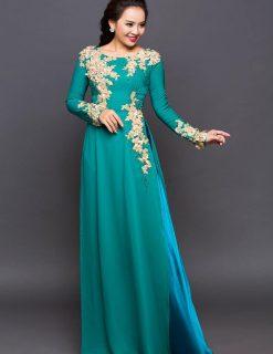 Áo dài bà sui xanh ngọc đính hoa ren cầu kỳ